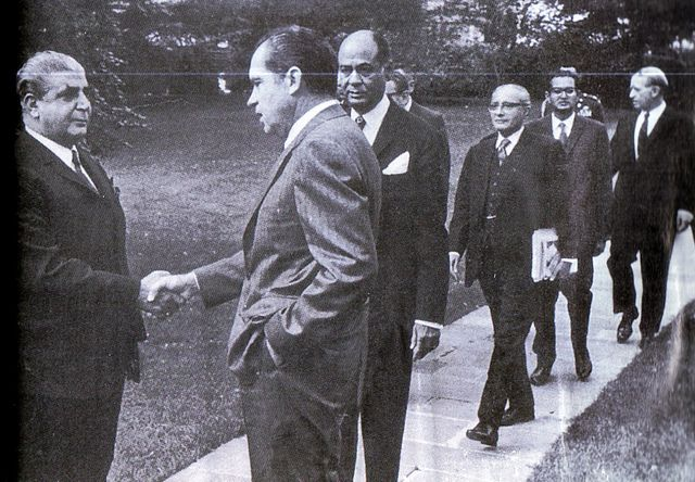 president with his team | President Nixon meets Yahya Khan and his team