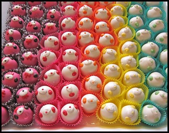 OMG Gloomy Bear cake balls!!!!: Cakes Macarooons, Cake Ball, Bear Cakes, Bear Goodies, Cakes Cupcakes And, Cake Pops, Bear Ball, Ball Cakes