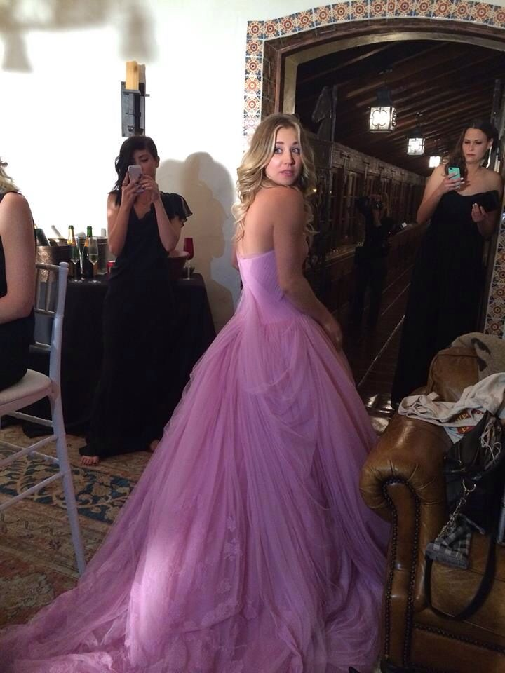Kaley Cuoco in Vera Wang for her wedding