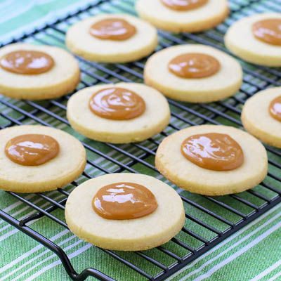 Cuban Sugar Cookies (Torticas de Moron) with Dulce de Leche | Magnolia Days~T~ Love these little gems. The dough is made with a little light rum and some lime zest,