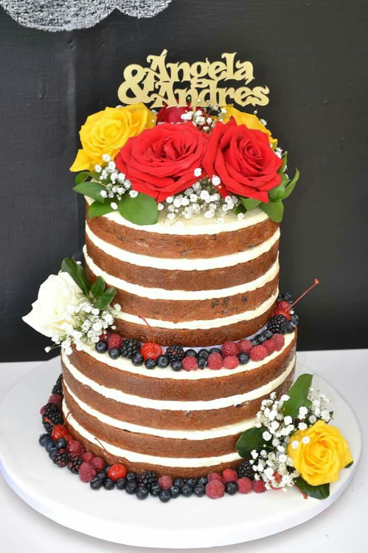 NaKed cake!  Wedding naked cake. Www.dolcellapasteleria.com