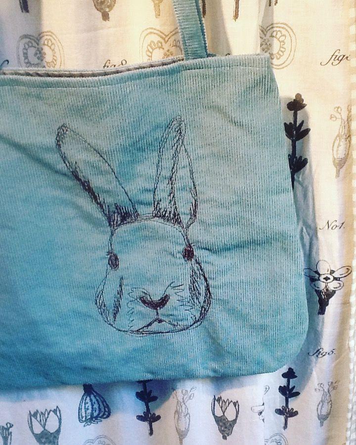 Szabad gépi tűzés, hímzés, hímzett, free embroidered, táska, bag, nyuszi, nyúl, rabbit, bunny, embroidery