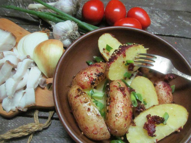 Картофель, соль, перец, хрен, соевый соус, оливковое масло, кориандр.