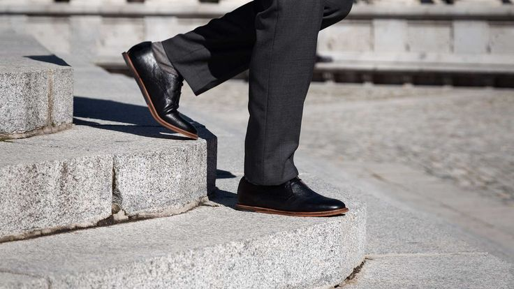 At the last years it has forged a new man at Madrid, with current values, lover of technology, without losing the traditions; The Neo Castizo Gentleman.  Mario Monforte, Frank Wright, Shoes, Black, Men, Oxford, Zapatos, Negros, Hombre