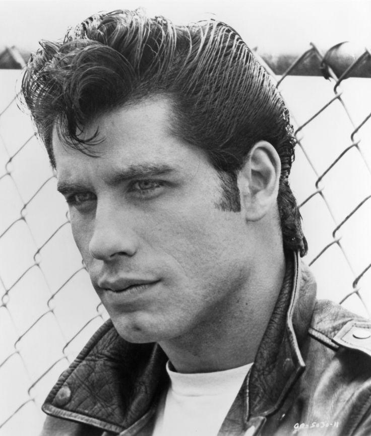 john travolta (Grease 1978 - Ambientada en los años 50) - Representa la juventud y la rebeldía