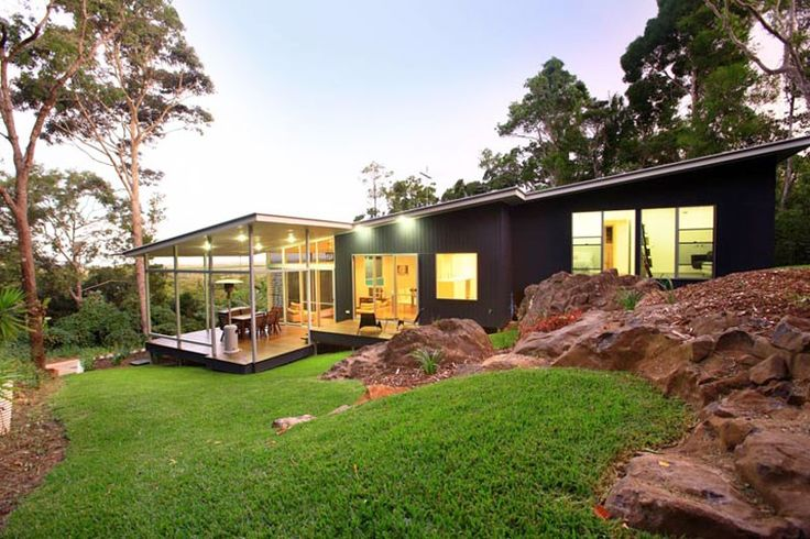This home at Buderim on Queensland's Sunshine Coast, incorporates roofing and guttering made from COLORBOND®  steel