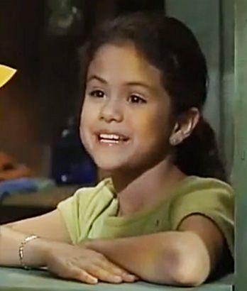 selena gomez barney and friends photos | Selena on Barney and Friends, 2002 - Snakkle