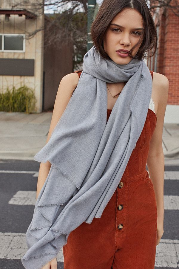 Slide View: 1: Brushed Woven Blanket Scarf (Grey)