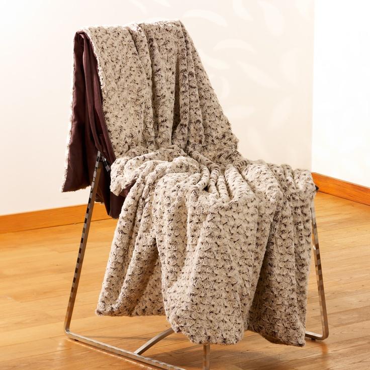 25 best ideas about plaid imitation fourrure on pinterest plaid fausse fourrure plaid. Black Bedroom Furniture Sets. Home Design Ideas