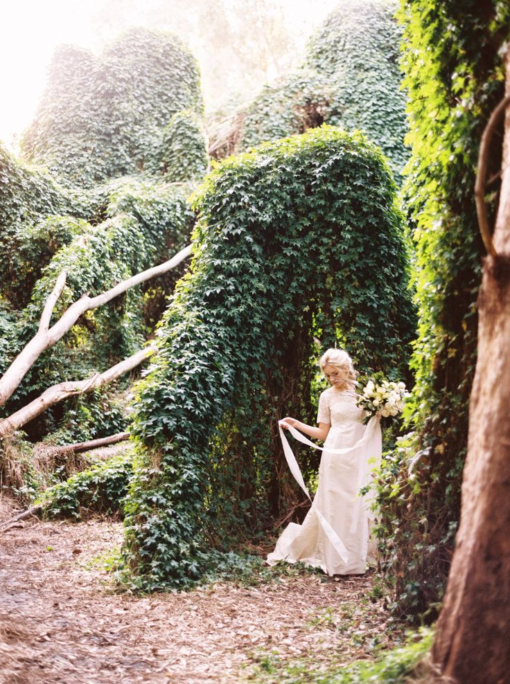 Enchanted Forest Styled Shoot. Photography by Katie Grant  ( Instagram @bridelaboheme)