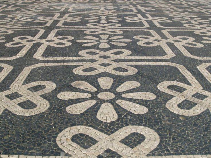 Calçada portuguesa-Portuguese pavement.