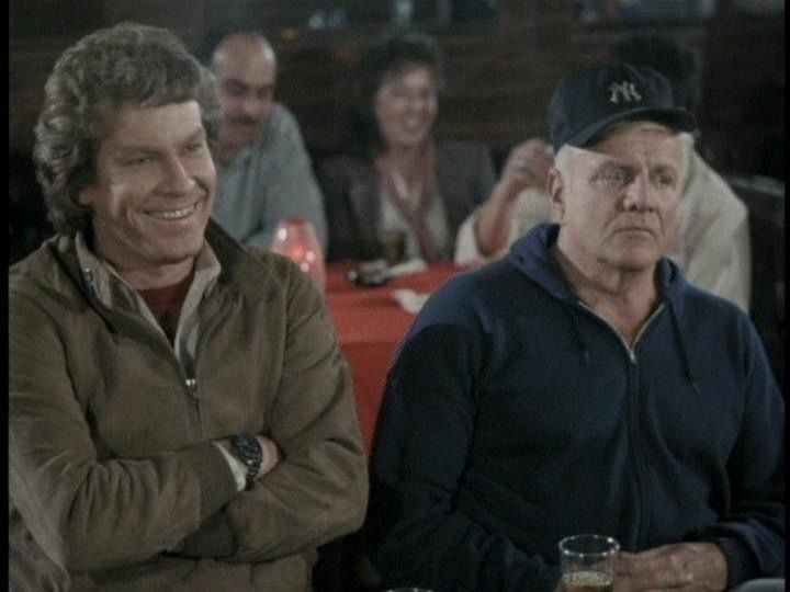 Mark's enjoying Fry's standup act, while Hardcastle's not the least amused! lol McCormick: 😂 Hardcastle: 😒