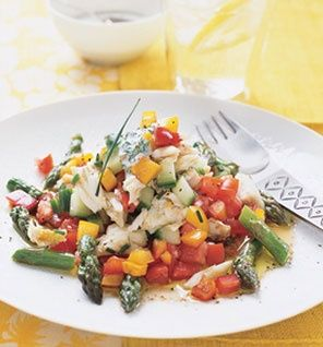Crab With Asparagus and Heirloom Tomatoes #SeafoodLovers: Seafood Recipes, Heirloom Tomato Recipes, Heirloom Tomatoes Salad, Crabs And Heirloom Tomatoes, Yummy, Recipes Healthy, Heirloom Tomatoes Recipes, Salads, Asparagus And Crabs