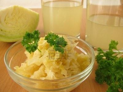 Pasos para hacer un saludable probiótico: Chucrut (Col fermentada.)