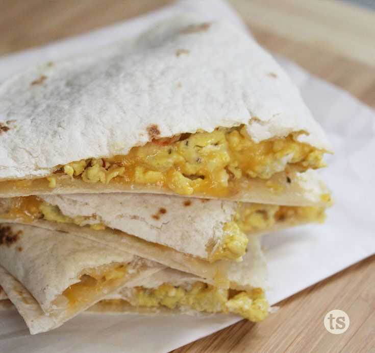 Roasted Pepper Breakfast Quesadillas Recipe │Scrambled eggs and cheese between a tortilla make a delicious breakfast quesadilla.