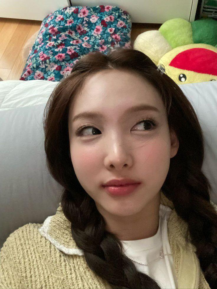 Kpop reacciones girls in 2021   Nayeon, Nayeon twice, Twice