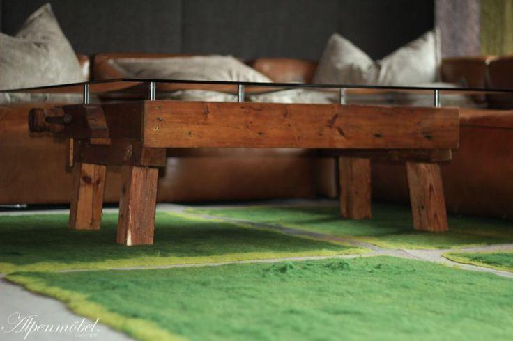 Alpenmöbel Couchtisch   Eine Antike Hobelbank Verwandelt In Einen  Hochwertigenu2026