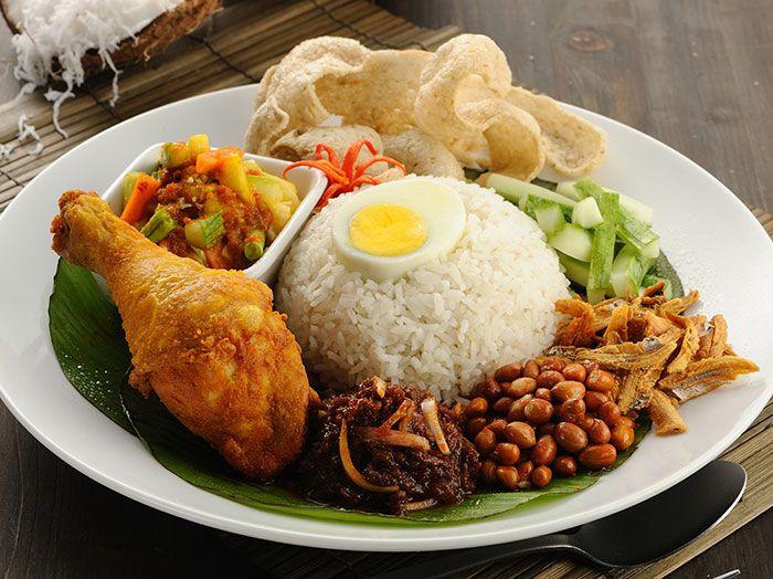 Local Malaysia Food nasi lemak ayam goreng