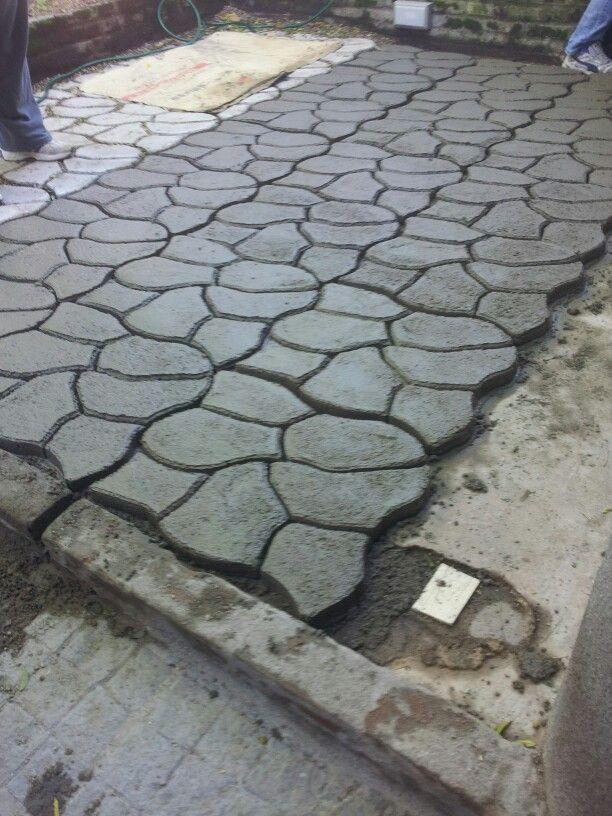 Piso cemento con molde hecho en casa pinterest molde for Pisos para patios exteriores baratos