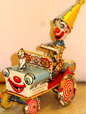 Vintage Unique Art Artie The Clown Pressed Tin Litho Wind Up Circus Toy
