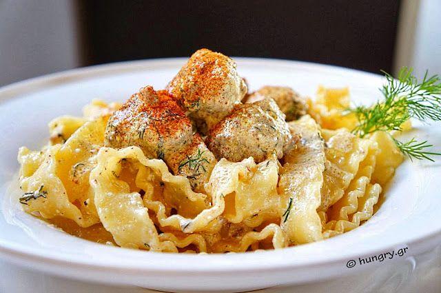 Kitchen Stori.es: Κεφτεδάκια σε Σάλτσα Τυριού με Ταλιατέλες