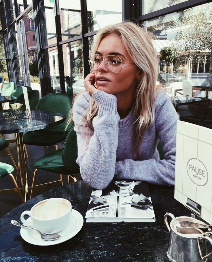 Claartje Rose, Dutch blogger, purple sweater, acne, glasses
