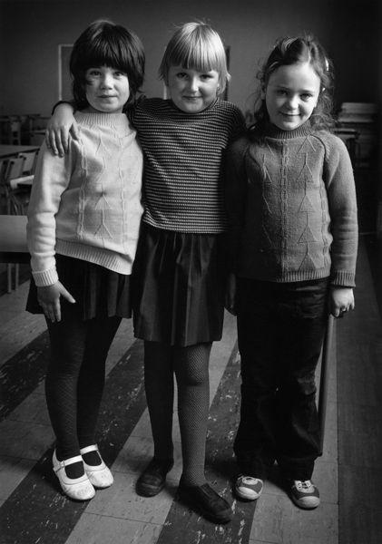 Dublin_ThreeGirlsIreland_Evelyn Hofer, photographer