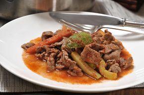 Yummy bistec de res with calabecitas y zanahorias! Add a some roasted chile de arbol for some spice!
