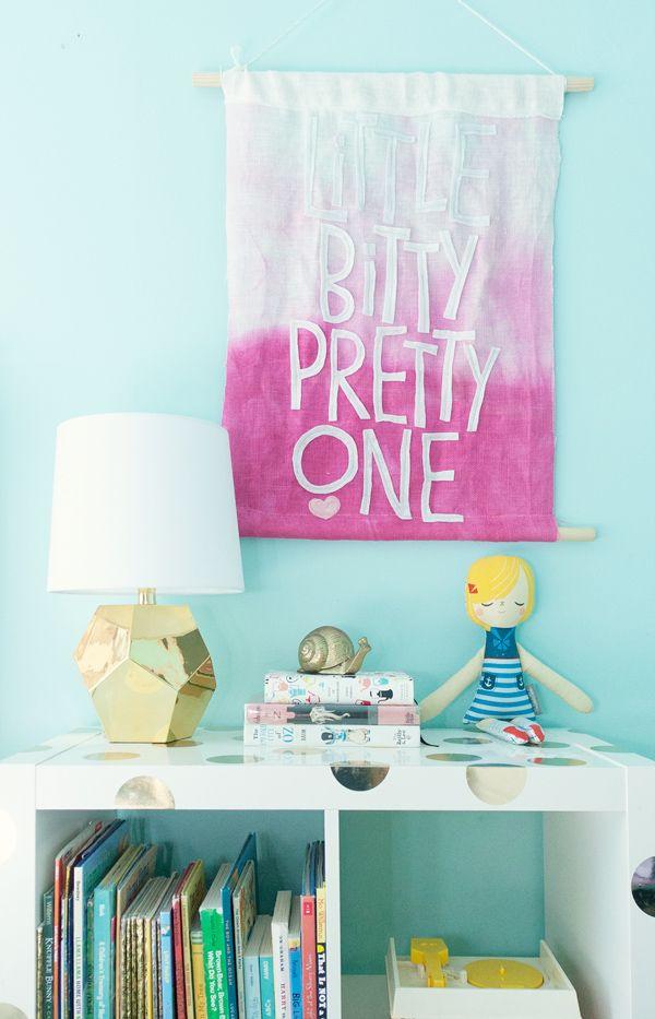 Tutorial for DIY Wall Banner via honesttonod.com
