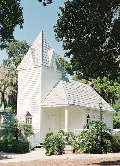 little white chapel   Jessica Lorren #wedding