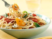 Pasta met kruidenkaas en halfgedroogde tomaten