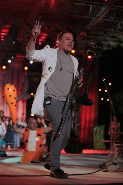 Golec uOrkiestra; Koncert Razem #MimoWszystko z udziałem gwiazd i #NGOs, 2011 rok, wielki finał #Kraków #koncert #muzyka fot. M. Kowalski