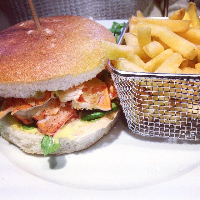 God Bless the #SundayBrunch Hamburger with Lobster, Mango and Avocado