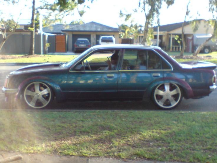 Holden Commodore L VB