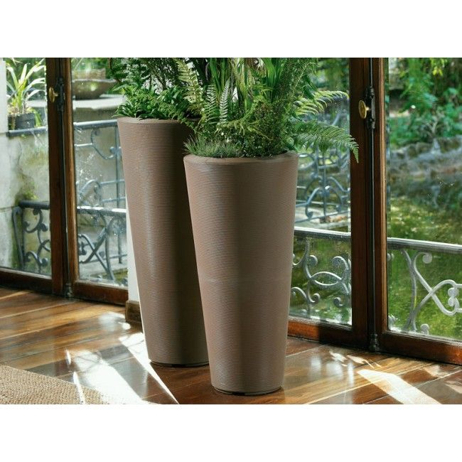 Lightweight And Easy To Handle, These Crescent Garden Black Planters Are  Perfect For Your Patio!