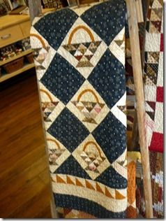 Yummy. Sweet P Quilting and Creations visits Temecula and sees this awesome basket quilt