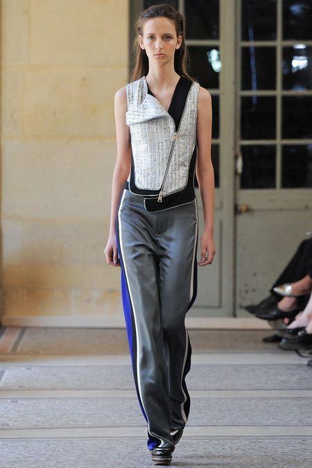 Bouchra Jarrar 2014 Couture Sonbahar Koleksiyonu - Şablonunu değiştirmeyen, Fransız duygusu ile tasarımlarını yaratan kendine özgü stili ile Bouchra Jarrar 2014 Couture Sonbahar Koleksiyonu; Bouchra Jarrar Couture 2014