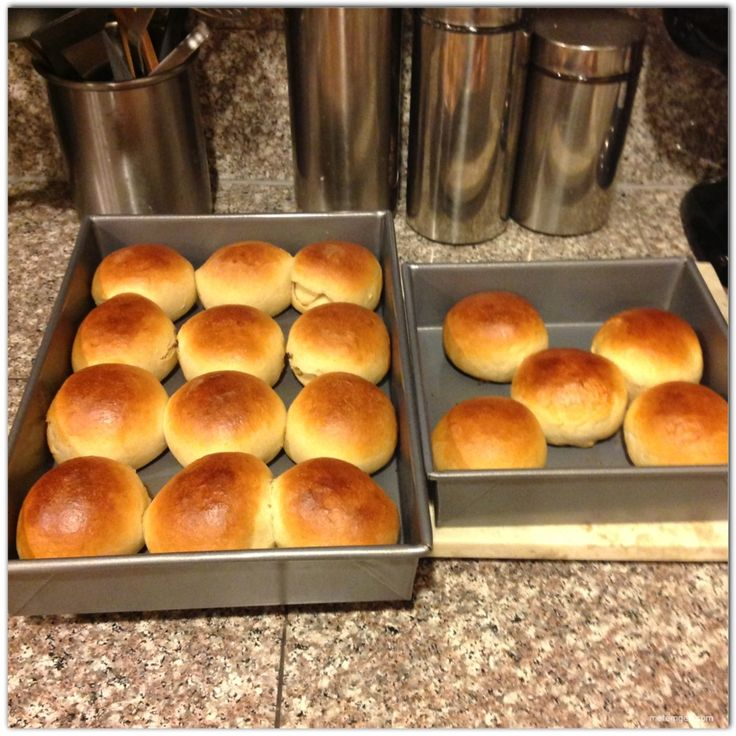 Tennis rolls - bread rolls that are slightly sweet with hint of lemon and vanila