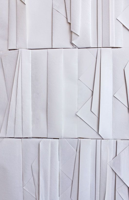 Folded paper walls in Tokyo shop ori HIGASHIYA http://www.higashiya.com/