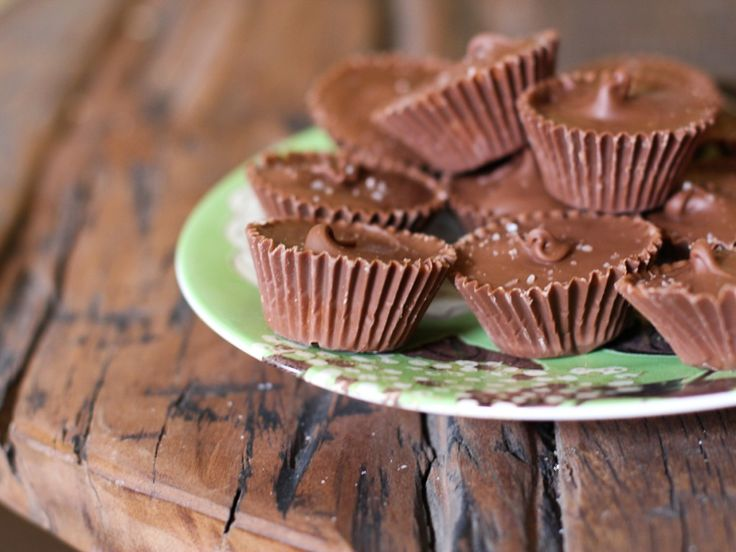 Peanut butter cups, Himalayan sea salt and Homemade peanut butter on ...