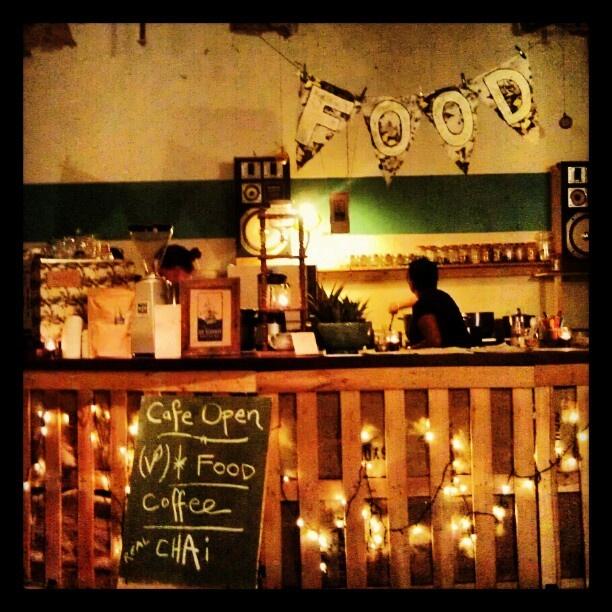 @radelaide5000s photo: Pigeon Island Cafe, Tuxedo Cat #adlfringe #adelaide #tuxycat #tuxedocat