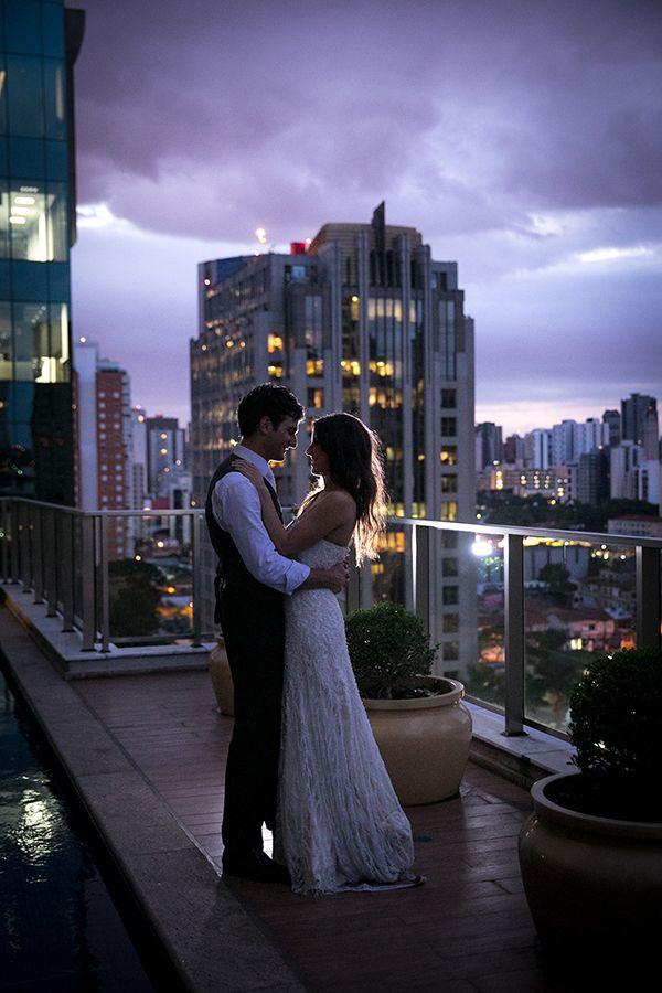 Novo post no blog: Nossas noivas: Vestido de noiva bordado de mini pérolas