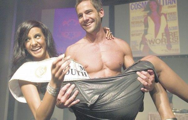 2007 Tansey Coetzee with TV presenter Janez Vermeiren GALLERY: Miss SAs of the past decade | eNCA