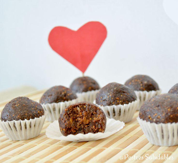 Postres Saludables | Bombones de Higo con chocolate y frutos secos (sin azúcar) fáciles | #SanValentin #amor #afrodisíaco  http://www.postressaludables.com