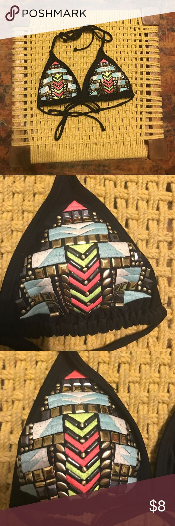 Xhilaration Target Bikini Top Swimsuit Size XS Xhilaration Target Bikini Top Swimsuit Size XS in Great used condition, only worn a few times. Xhilaration Swim Bikinis