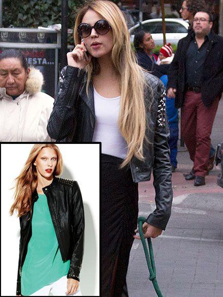 EIZA GONZÁLEZ    Copia el estilo moderno y chic de la actriz con esta chaqueta de cuero con estoperoles en los hombros. Es de Vince Camuto y ahora está en especial por $129.99.