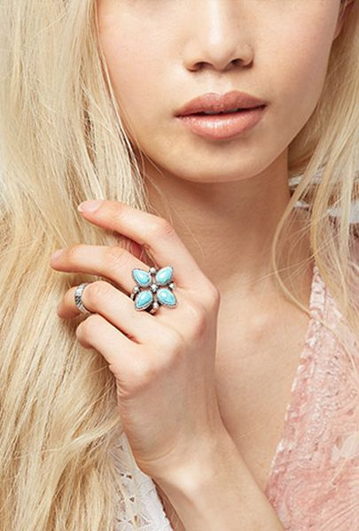 Peyote Bird Turquoise Flower Ring from Forever 21. #prom #ring #jewelry