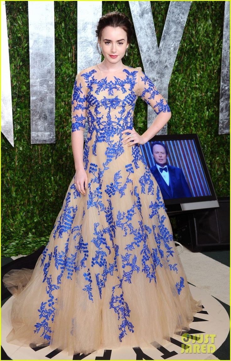 lily collins in monique lhuillier: Monique Lhuillier, Vanities Fair, Ball Gowns, 2012 Vanities, Oscars Parties, Red Carpets, Fair Oscars, Prom Dress, Lilies Collins