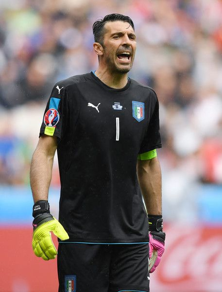 Gianluigi Buffon of Italy shouts during the UEFA EURO 2016 round of 16 match between Italy and Spain at Stade de France on June 27, 2016 in Paris, France.