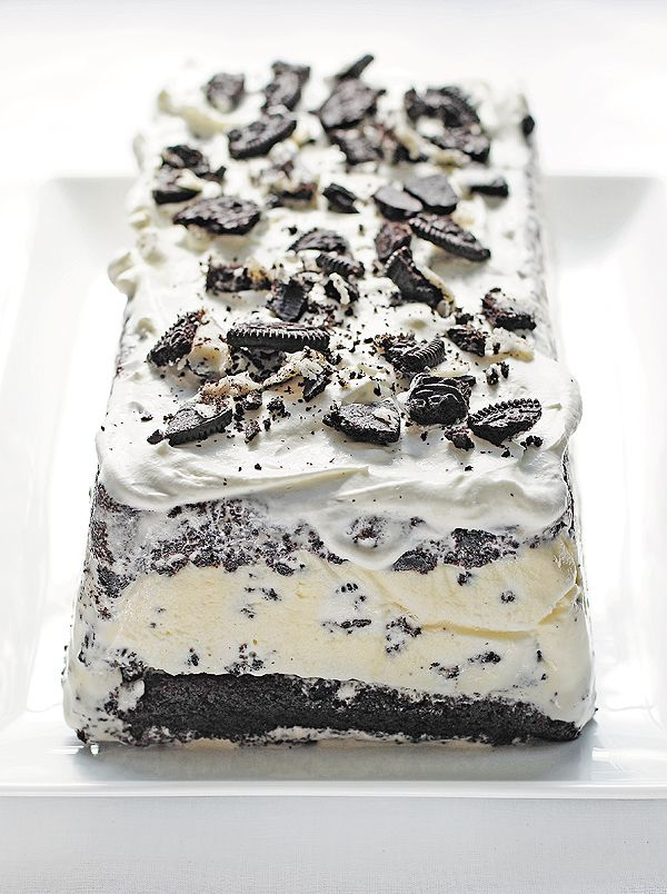 Cookies and Cream Ice Cream Cake - from @Amy Johnson / She Wears Many Hats